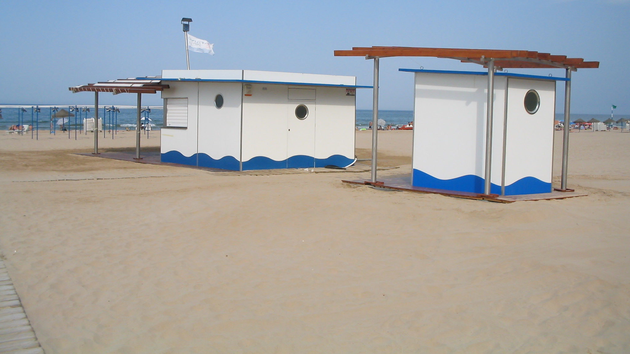 Chiringuito con sistema de vacío en la playa de Gandía