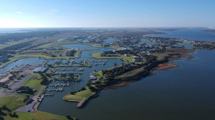 Coorong Quays. Flovac.